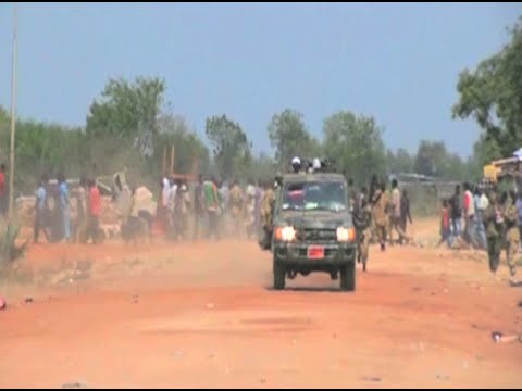 Vice-president Riek Machar leaves Juba with his troops