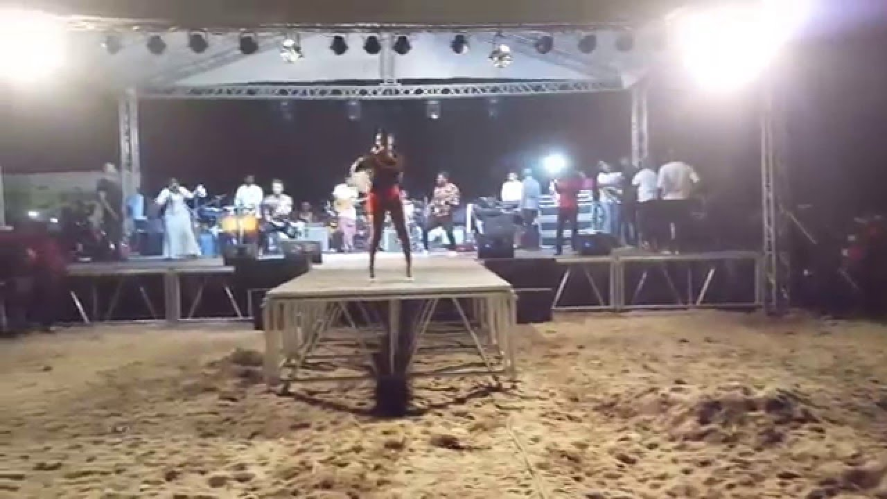 """Download Yemi Alade performing """"Na Gode"""" at her Sold-Out Concert in Buguma"""