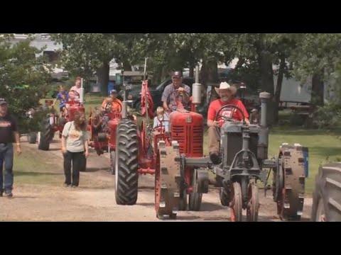 Farm Connections 707: Antique Tractors, Lefse and Rabbits