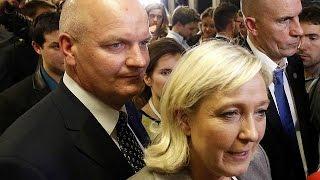 Руководитель кабинета Ле Пен проходит обвиняемой по делу о фиктивных должностях