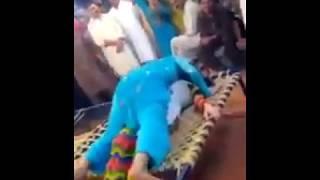 Pakistani hot girls dirty dance   बच्चे दूर रहे। 18+ video