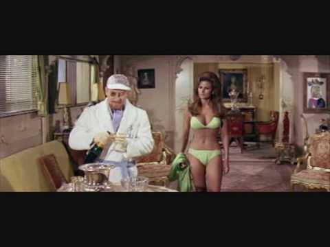 Fathom  Raquel Welch  Bikini Adventure