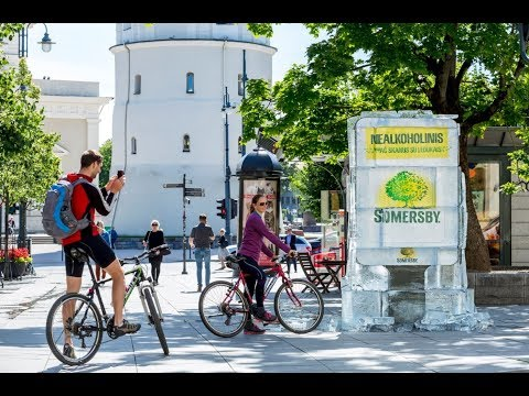 Iced billboard reveals Somersby bottles | JCDecaux Lithuania