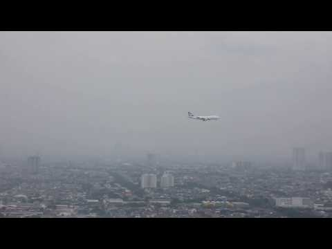 Cathay Pacific Cargo B-LIC landing at Soekarno Hatta Airport in Jakarta