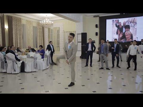Казах зажигает на свадьбе лучший танец