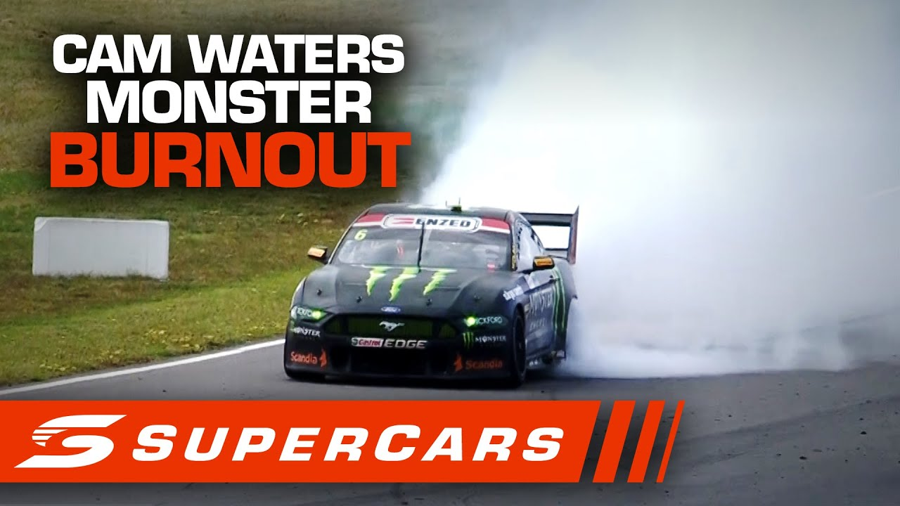 ALL ANGLES: Cam Waters MONSTER BURNOUT - OTR The Bend SuperSprint | Supercars 2020