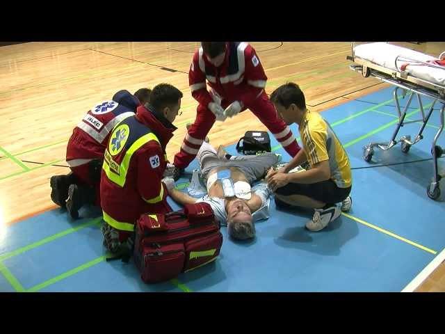 Prva pomo? in uporaba AED