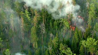 К тушению пожаров в Сибири и на Дальнем Востоке приступили армейские вертолеты.