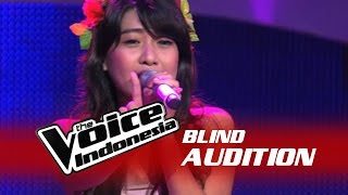 Video Vanessa Axelia - Halo [ Lyrics ] - The Blind Audition - The Voice Indonesia download MP3, 3GP, MP4, WEBM, AVI, FLV Januari 2018