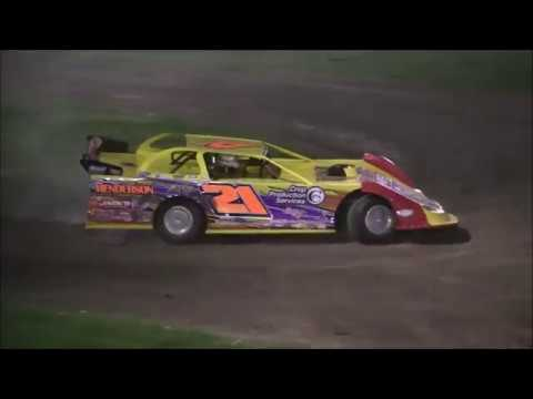 4 21 17 farmer City   Latemodel Action