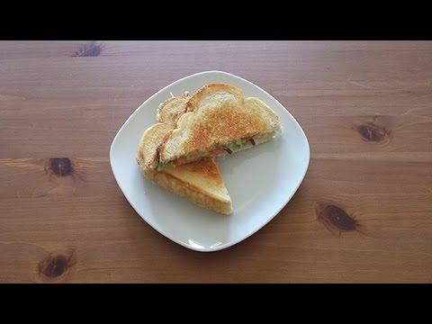 recette-facile-et-rapide---le-sandwich-grillé-à-l'avocat