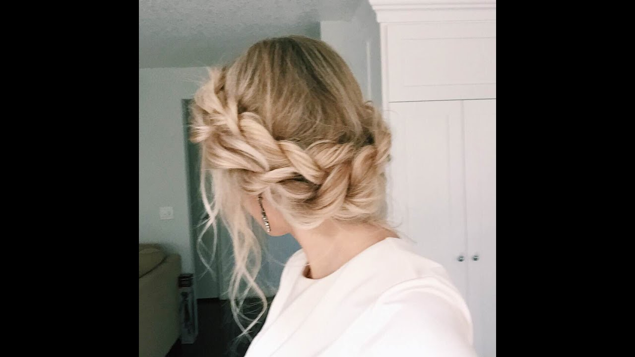 Perfect Tug Twist Pieces To Give A Puffier Look Cinderella Inspired UpDo This Do Is Super