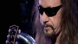 Ace Frehley; Cold Gin guitar lesson. 2010.