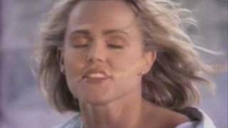 Belinda Carlisle - I Feel The Magic