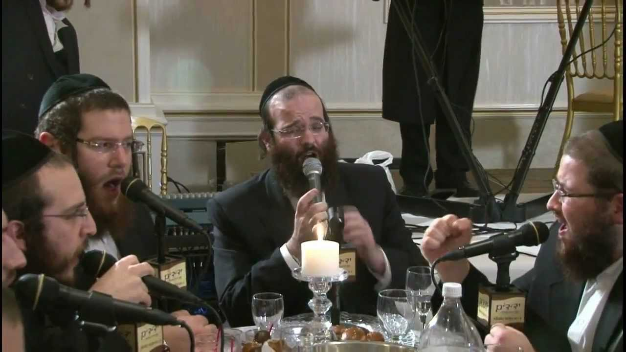 "Shloime Taussig with Yeddim Choir ""Rotzoh"""