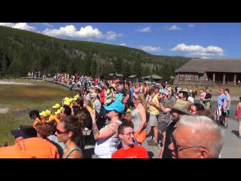 Yellowstone Tour 4 (Mammoth Hot Springs & Old Faithful & Prismatic Greyser) 2013