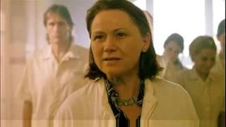 Босиком по мостовой (2005) трейлер