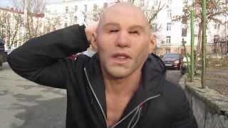 Краткий обзор реалистичной маски c бровями Handsome Guy with Eyebrows