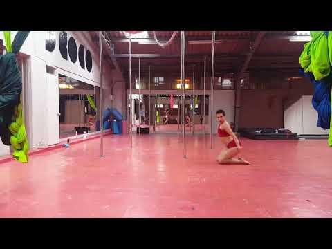 POLE DANCE AMATEUR PAULA HERRERA
