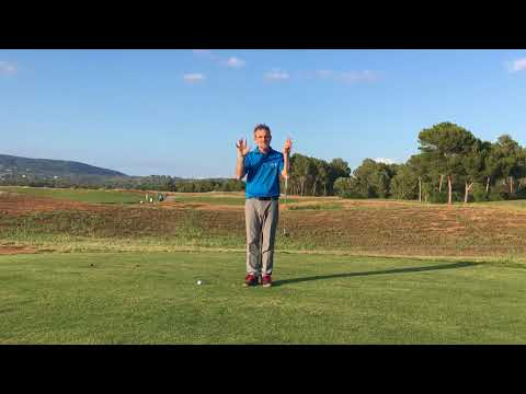 Easy golf swing for seniors, by a senior coach specialist