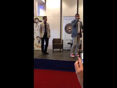 Jon Huertas E Seamus Dançando Na #12thPrecintCON 2