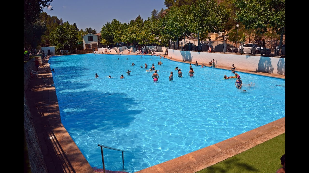 La piscina de orcera youtube for Piscina municipal las gabias