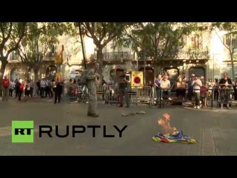 Spain: Catalan flag BURNS at Catalonia nat'l day celebrations