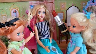 BARBIE's MAKEOVER DISASTER - Frozen Elsa Anna toddler do Barbie's Makeup and Hair! Fun With Toys