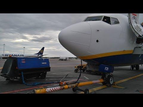 VRyr PMDG 737NG *Vatsim* Dublin EIDW - Prague LKPR -Liverpool EGGP - Malta LMML (FSX Steam)