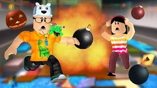 ROBLOX: MY MOTHER AND I IN: THE LAST ONE TO SURVIVE IN THE RAIN OF BOMBS WINS! -Play Old man