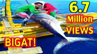 UNBELIEVABLE CATCH! GIANT SWORDFISH CAUGHT ON TRADITIONAL HANDLINE FISHING IN THE PHILIPPINES