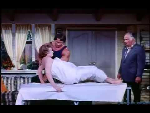Arnold Schwarzenegger gives Lucille Ball a massage (1975!)