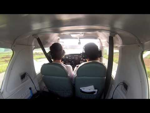 Cessna 152 - EJ - Landing RWY 18 - Jundiaí Airport Brazil (GoPro HD)