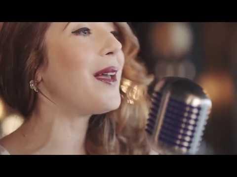 Becki Biggins - Jazz Singer & Saxophonist