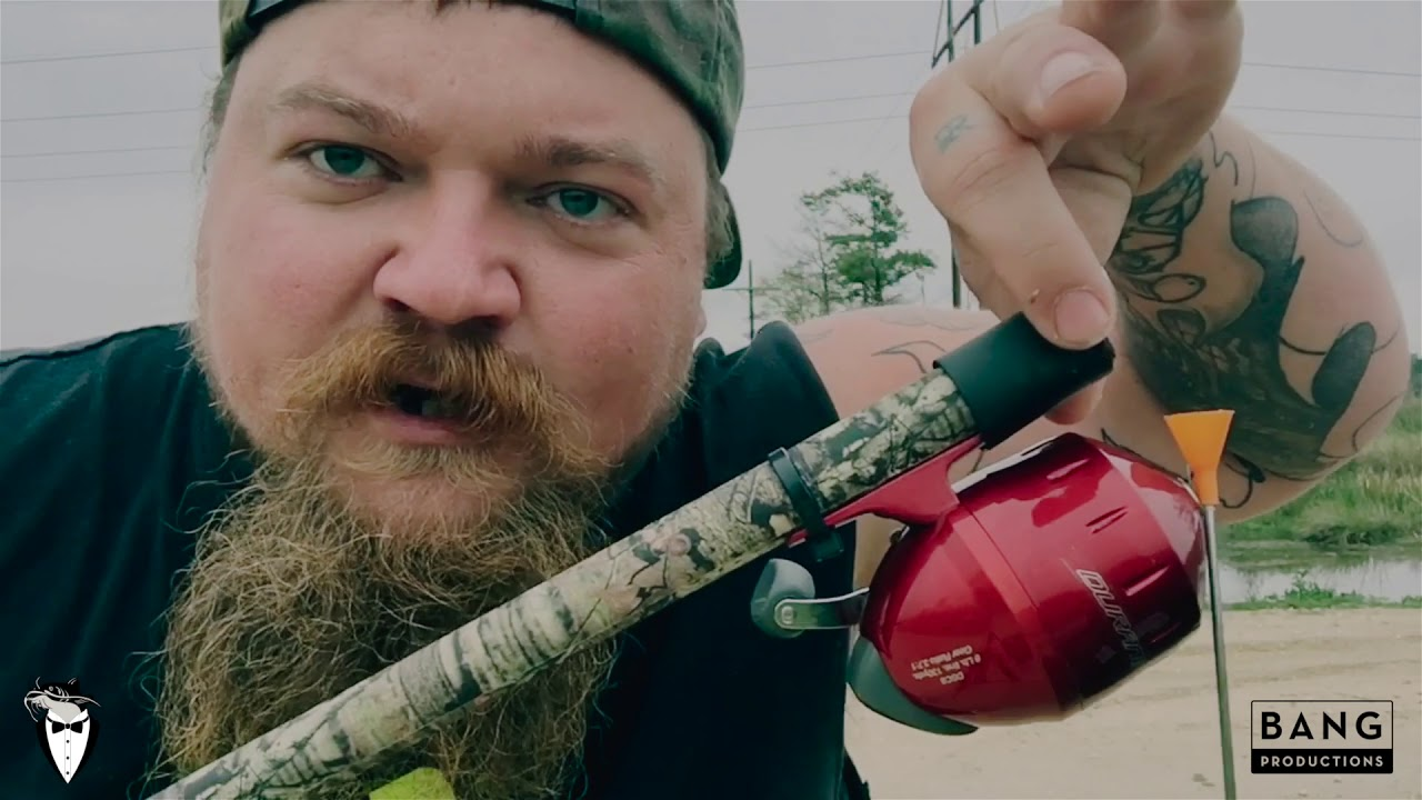 COMEDIAN CATFISH COOLEY: HOW TO MAKE A BLOW FISHING GUN! LOL COMEDY FUNNY LAUGH