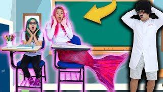 A SEREIA FOI VISTA SE TRANSFORMANDO NO PRIMEIRO DIA DE AULA - The Mermaid and The School