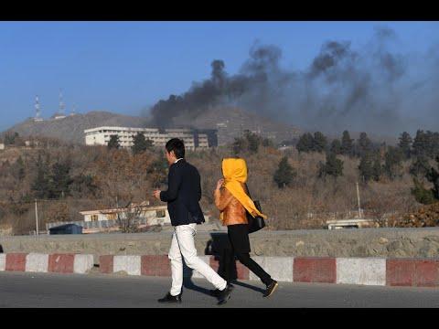قتل 3 أشخاص وإصابة اثنين آخرين في انفجار بأفغانستان  - نشر قبل 8 ساعة