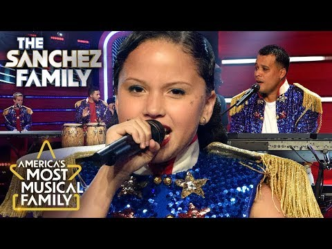 """The Sanchez Family Perform """"Party In The USA"""" By Miley Cyrus   America's Most Musical Family Finals"""