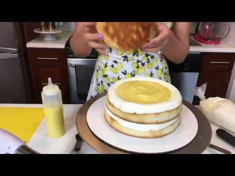 Watch Chelsweets make a lemon meringue cake 🍋🍋🍋