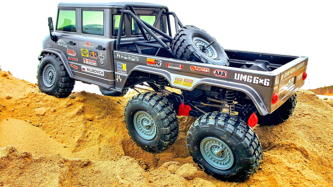 RC Cars Racing and Crawling on Frozen Sand Axial 6x6 – Wilimovich
