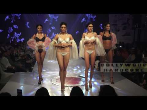 अकेले में ही देखे | Indian Girls in Lingerie | Triumph Fashion Show 2017 | Part 1