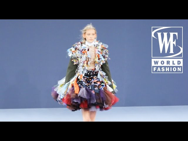 Viktor & Rolf Fall/Winter 16-17 Paris Couture & Haute Couture Week