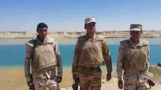 شاهد الجيش المصرى يد تحمل السلاح ويد تحفر فى قناة السويس الجديدة مارس 2015