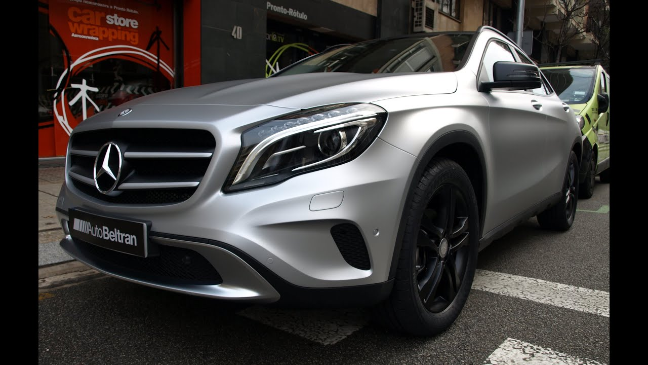 mercedes benz gla en gris plata mate metalizado car wrap by pronto rotulo since 1993 youtube. Black Bedroom Furniture Sets. Home Design Ideas