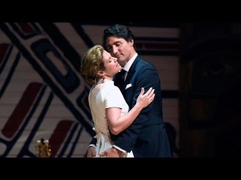 PM Trudeau and wife Sophie let loose at Press Gallery dinner Mp3