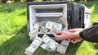 I FOUND AN ABANDONED SAFE FILLED WITH MONEY $100,000!
