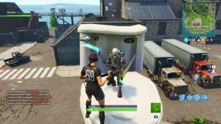 Dance on top of a giant Porcelain Throne / Fortnite