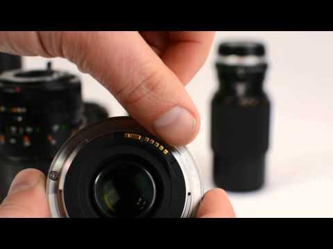 Identifying a camera lens mount