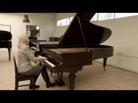 Choosing piano for Salle Gaveau recital May 21, 2014,  Valentina Lisitsa