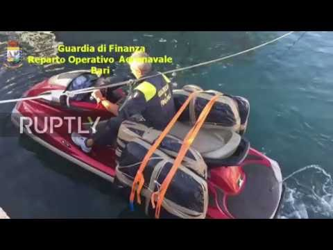 Italy: Guardia di Finanza arrest drug trafficker after spectacular chase in Adriatic Sea